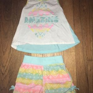 Toddler girls tank top and shorts outfit, 2t